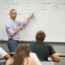 UT offers a low faculty-to-student ratio<br />and average class size.<br/>