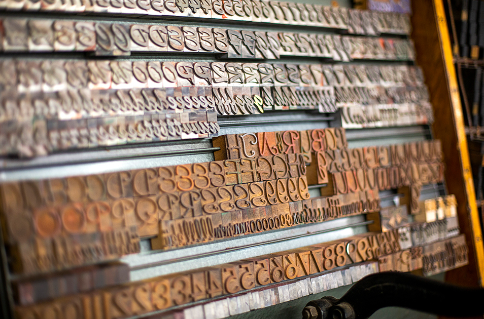 Font tiles used in letterpress printing
